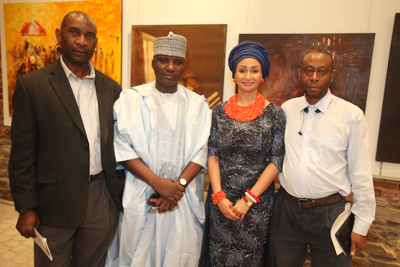 Isa Gusau and members of Nigeria association